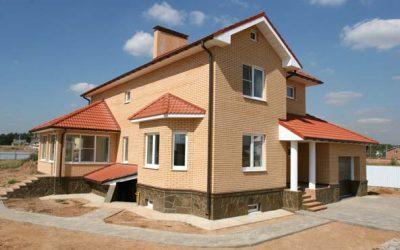 Дом кирпичный облицованный